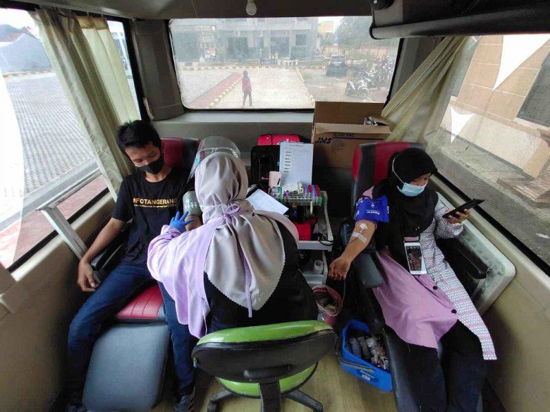Donor darah bersama PMI Kecamatan Mauk. (dok. infotangerang.co.id)