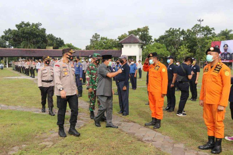 Foto: Jajaran Polresta Tangerang ikuti apel kesiapsiagaan bencana. Sekda Kabupaten Tangerang Maesyal Rasyid memimpin apel tersebut, Jumat (22/1/2021).