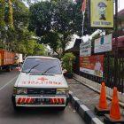 Foto: Mobil Ambulans yang disediakan Polsek Tangerang untuk warga terkonfirmasi Covid-19.