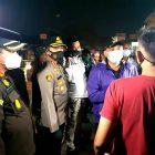 PPKM level 4, Forkopimda Kabupaten Tangerang menggelar patroli PPKM skala besar untuk menekan penularan Covid-19. (dok. infotangerang.co.id)